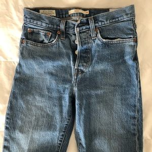 Levi's Wedgie Icon fit Size 24